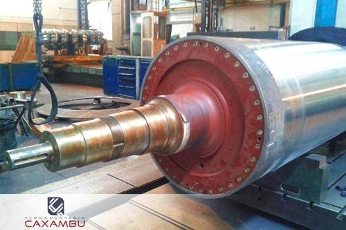 Fabricação de cilindros de laminação